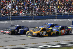 Kasey Kahne, Hendrick Motorsports Chevrolet, Matt Kenseth, Joe Gibbs Racing Toyota, and Kyle Busch, Joe Gibbs Racing Toyota