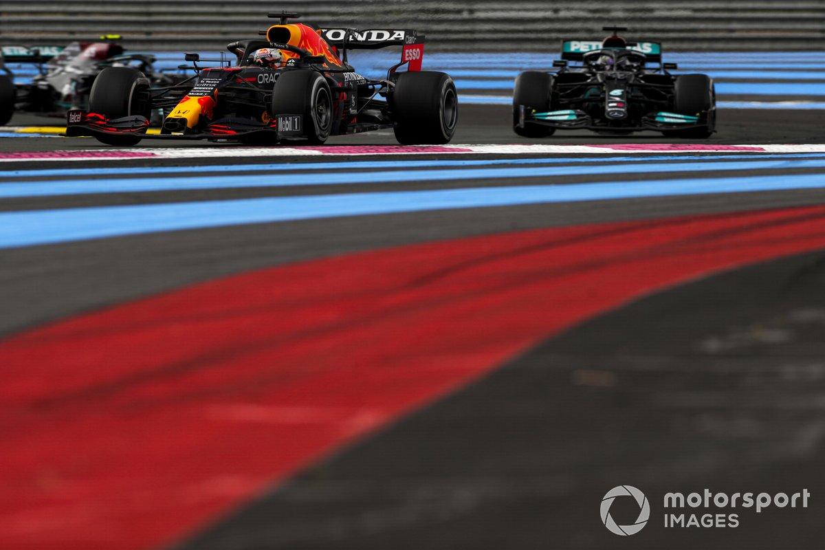 Max Verstappen, Red Bull Racing RB16B , Lewis Hamilton, Mercedes W12