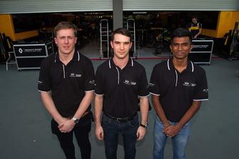 Des participants du programme Infiniti Engineering Academy