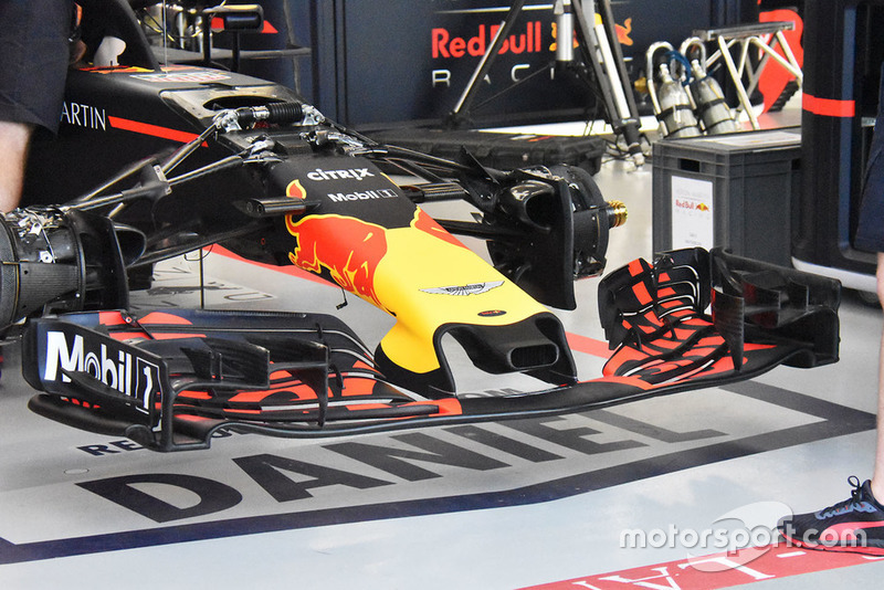 Detail sayap depan Red Bull RB14
