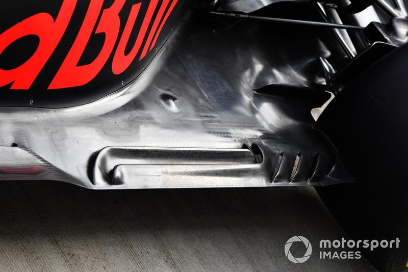 Red Bull RB14: dettaglio del fondo
