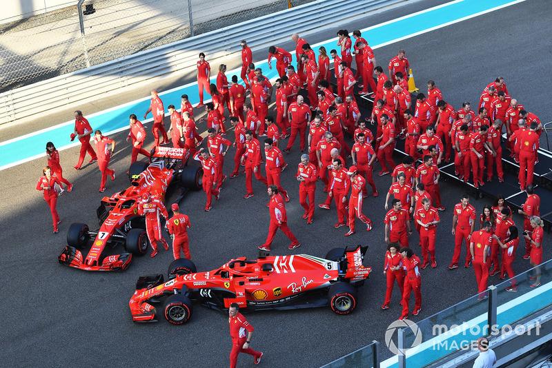 Командне фото Ferrari