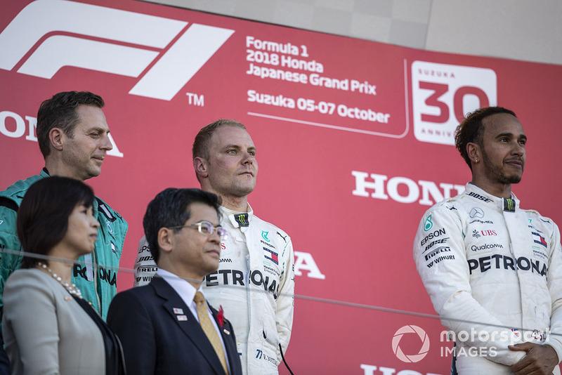 Ms. Noriko Suematsu, Alcalde de Suzuka, Matt Deane, Mercedes AMG F1, Mr. Keiichi Ishii, Valtteri Bottas, Mercedes AMG F1 y Lewis Hamilton, Mercedes AMG F1