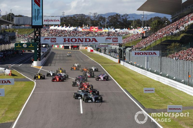 Lewis Hamilton, Mercedes AMG F1 W09, Valtteri Bottas, Mercedes AMG F1 W09 ve Max Verstappen, Red Bull Racing RB14