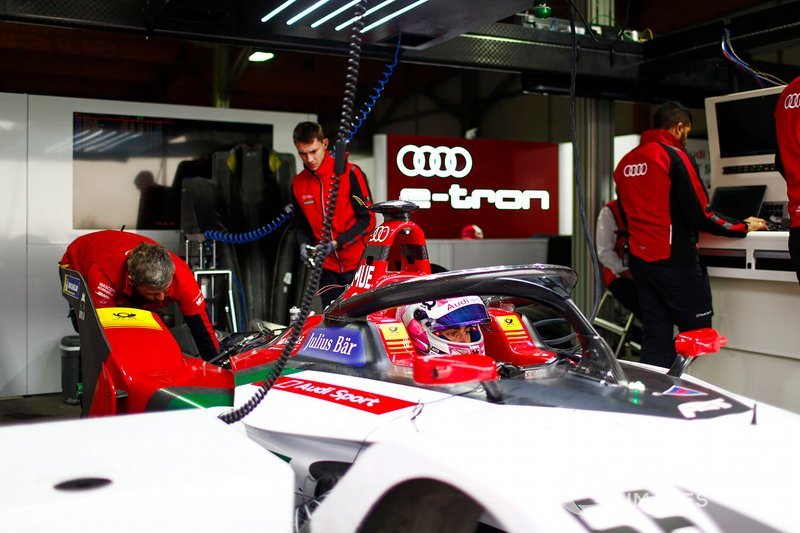Nico Muller, Audi Sport ABT Schaeffler, Audi e-tron FE05 in the garage