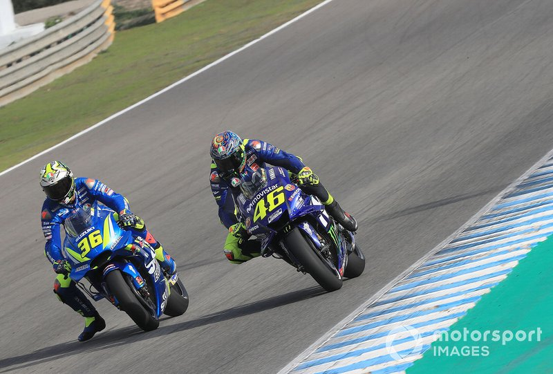 Joan Mir (Team Suzuki MotoGP) et Valentino Rossi (Yamaha Factory Racing)