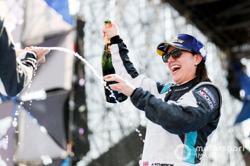 Race winner Katherine Legge, Rahal Letterman Lanigan Racing celebrates on the podium