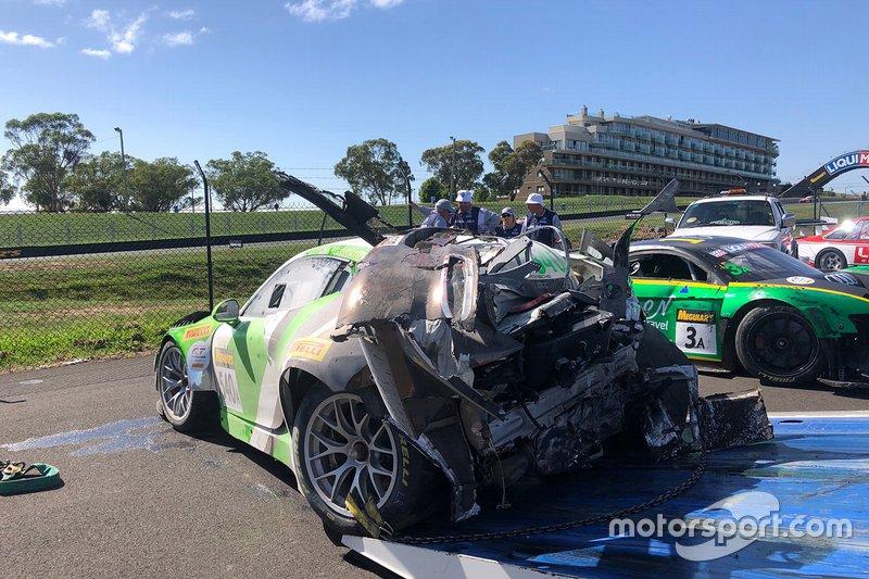 #540 Black Swan Racing Porsche 911 GT3-R: Tim Pappas, Jeroen Bleekemolen, Marc Lieb dopo l'incidente