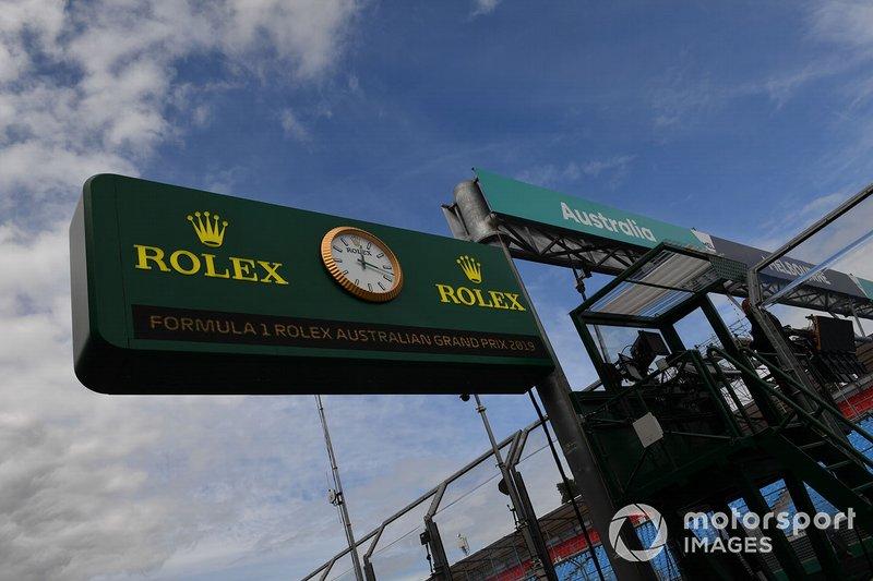 Rolex signage on the pit lane clock