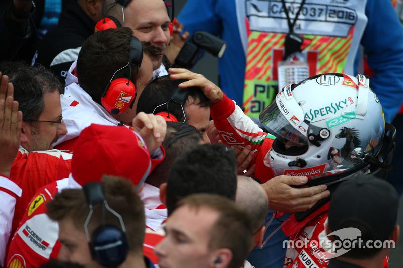 Друге місце -  Себастьян Феттель, Scuderia Ferrari SF16-H