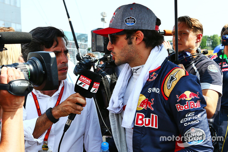 Carlos Sainz Jr, Scuderia Toro Rosso on the grid