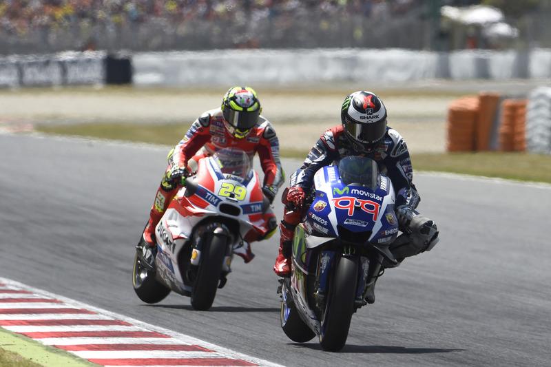 Andrea Iannone und Jorge Lorenzo im Katalonien-GP
