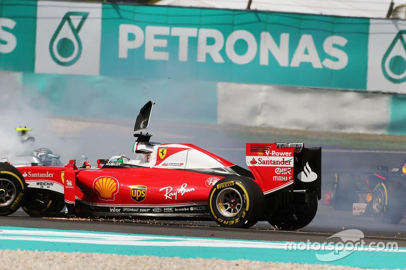 Себастьян Феттель и Нико Росберг столкнулись на старте Гран При Малайзии