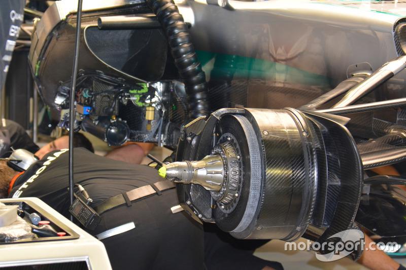 Тормоза Mercedes AMG F1 W07 Hybrid