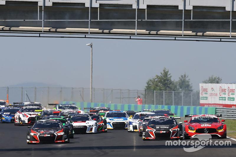 Start: #1 Belgian Audi Club Team WRT Audi R8 LMS: Frederic Vervisch, Laurens Vanthoor leads