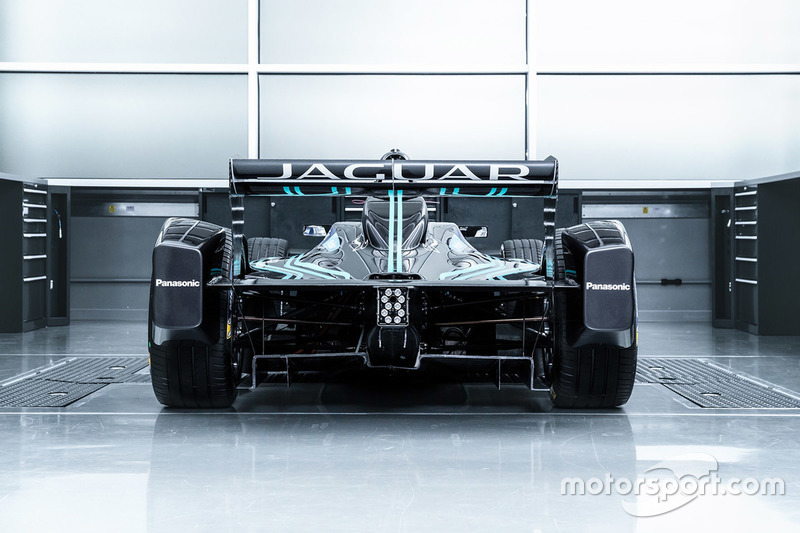 Jaguar I-type 2017
