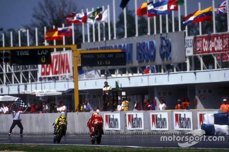 Sieg für Valentino Rossi, Aprilia
