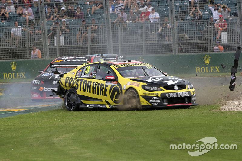 Unfall: Lee Holdsworth, Team 18, Holden