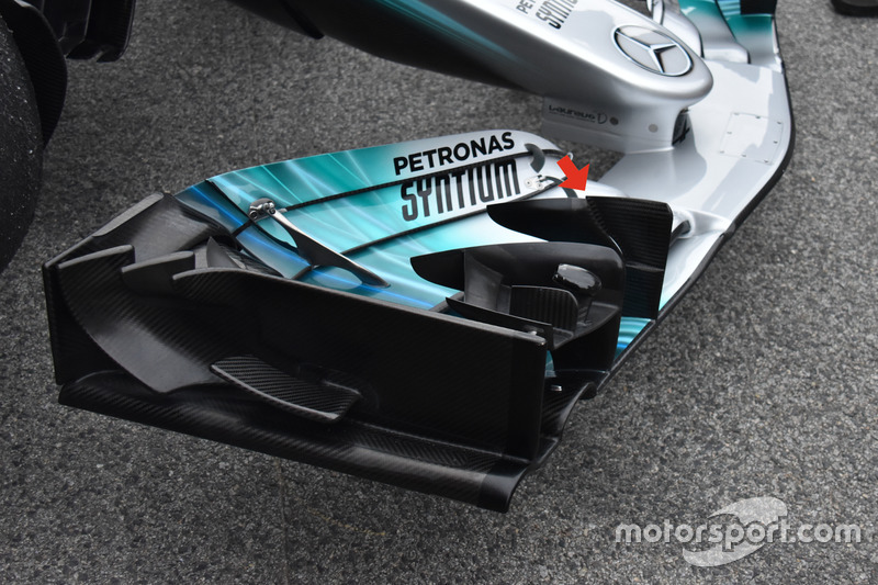 Mercedes AMG F1 W08, front wing r cascade