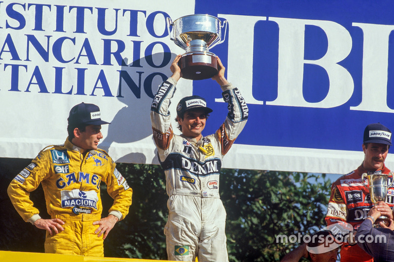Podium : le vainqueur Nelson Piquet, Williams, le second Ayrton Senna, Team Lotus, le troisième Nigel Mansell, Williams
