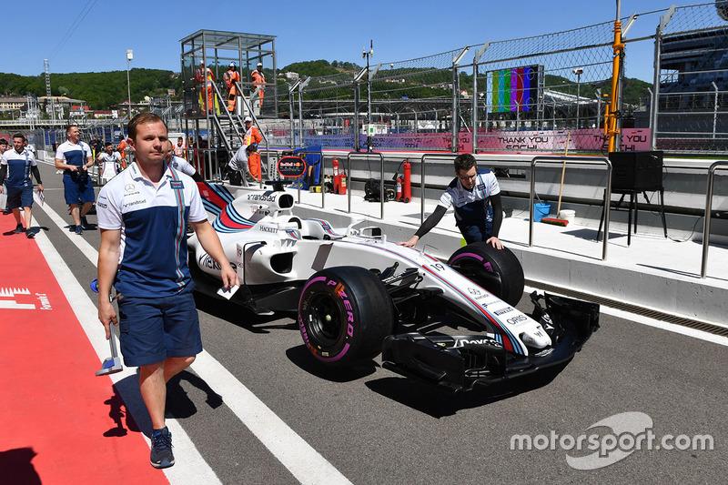 Williams FW40 di pitlane
