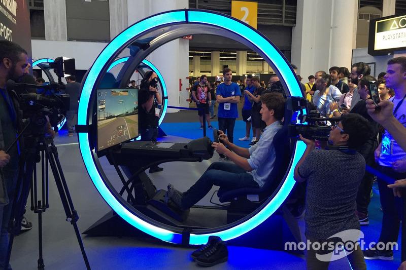 Lucas Ordóñez en la exhibición de GT Sport del Barcelona Games World