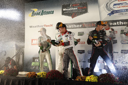 Подіум у класі GTD: переможець Коннор де Філліппі, Крістофер Міс, Шелдон ван дер Лінде, Land-Motorsport, друге місце Деніел Морад, Мікаель Крістенсен, Майкл де Кесада, Alegra Motorsports, третє місце Патрік Ліндсі, Йорг Бергмайстер, Метт Макмаррі #73 Park Place Motorsports