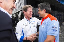Carlos Sainz; Malcolm Wilson, jefe de M-Sport; Michel Nandan, jefe de Hyundai Motorsport