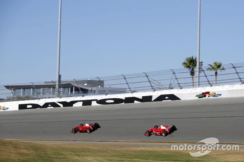 Ferrari F2008 y Ferrari F2004