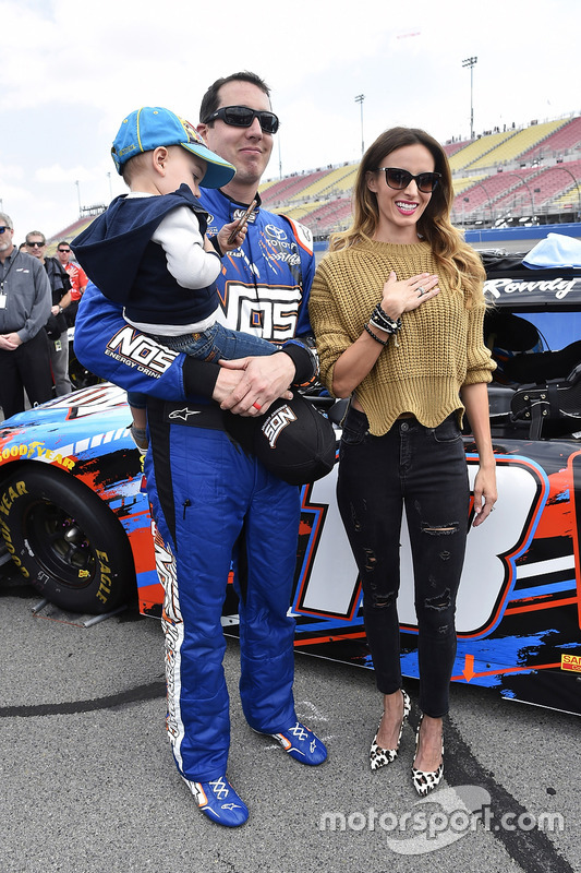 Kyle Busch, Joe Gibbs Racing Toyota y su esposa Samantha