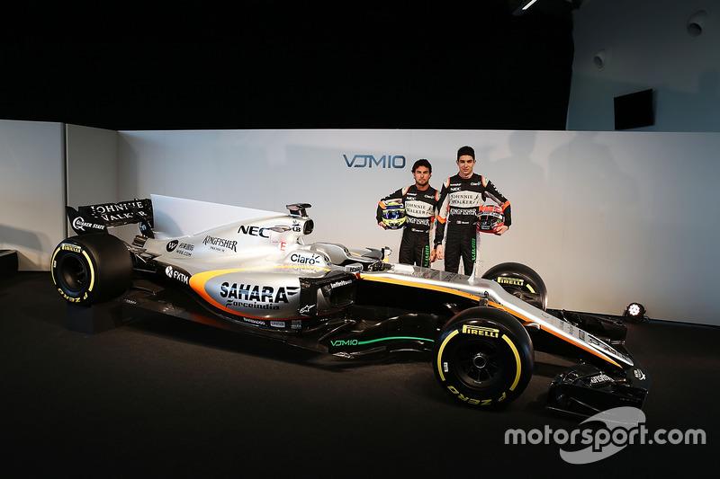 Sergio Perez en Esteban Ocon met de Sahara Force India F1 VJM10