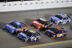 Jimmie Johnson, Hendrick Motorsports Chevrolet David Ragan, Front Row Motorsports Ford