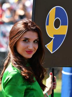 Temporada 2017 F1-italian-gp-2017-grid-girl
