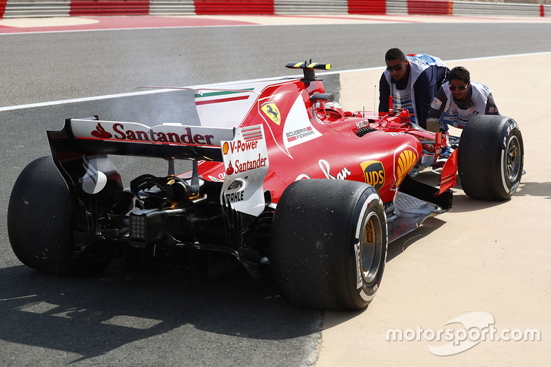 Болід Кімі Райкконена, Ferrari SF70H, після зупинки на треку