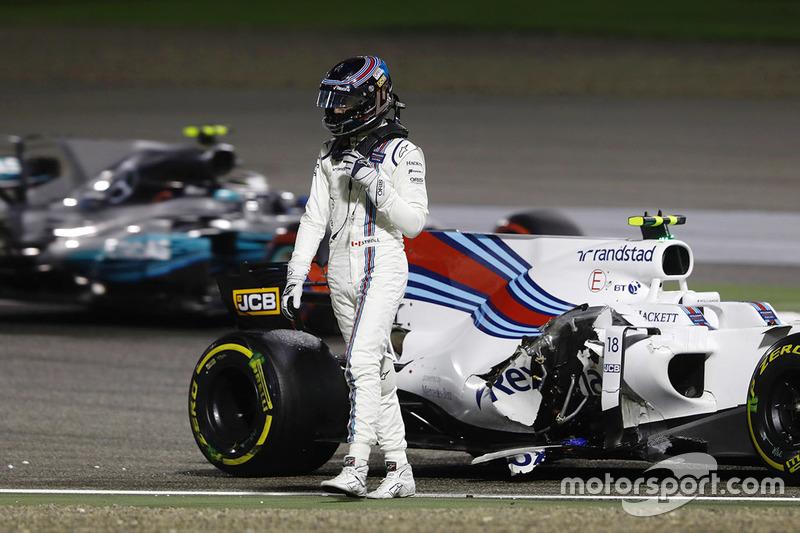 Lance Stroll, Williams FW40 y Valtteri Bottas, Mercedes AMG F1 W08