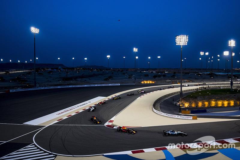 Lewis Hamilton, Mercedes AMG F1 W08, Max Verstappen, Red Bull Racing RB13, Daniel Ricciardo, Red Bull Racing RB13, Felipe Massa, Williams FW40