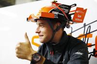 Stoffel Vandoorne, McLaren, met een bijzondere McLaren pet