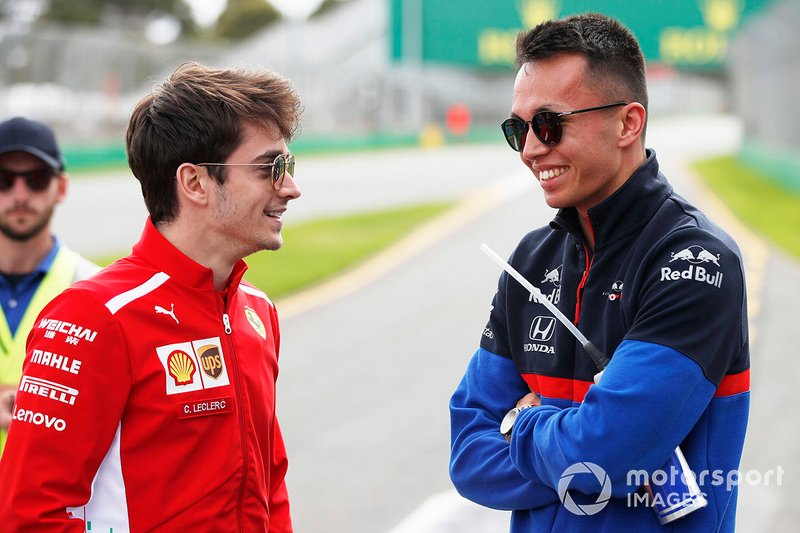 Charles Leclerc, Ferrari, y Alexander Albon, Scuderia Toro Rosso