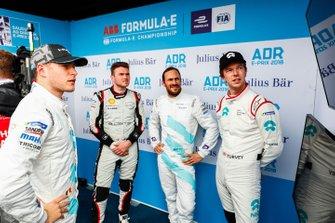 Stoffel Vandoorne, HWA Racelab, Oliver Rowland, Nissan e.Dams, Gary Paffett, HWA Racelab, Oliver Turvey, NIO Formula E Team watch the qualifying times