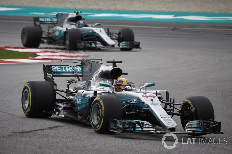 2017: Mercedes AMG F1 W08 EQ Power (12 побед, титул в КК)