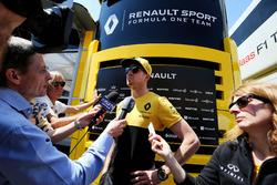 Nico Hulkenberg, Renault Sport F1 Team con los medios