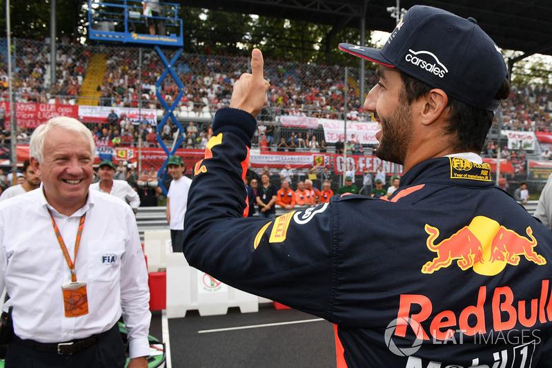 Charlie Whiting, Race Director, FIA, Daniel Ricciardo, Red Bull Racing