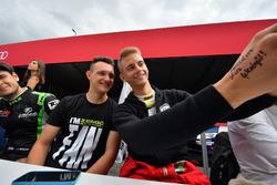 Autogrammstunde:  Ferenc Ficza, Zengo Motorsport, KIA cee'd TCR, Márk Jedlóczky, Unicorse Team, Alfa Romeo Giulietta TCR