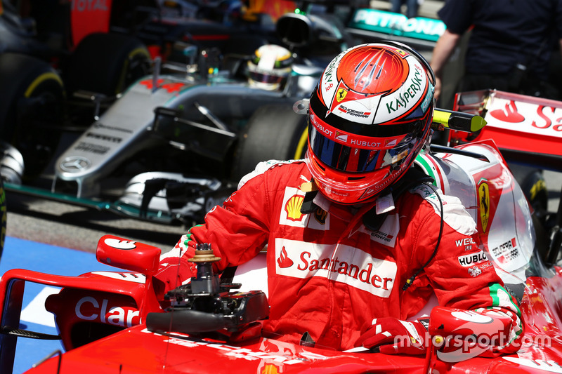 Kimi Räikkönen, Ferrari SF16-H, im Parc Fermé