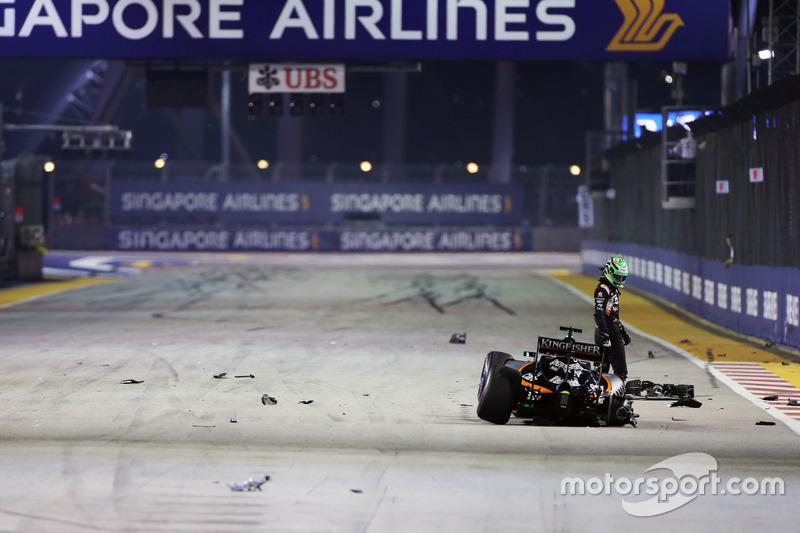 6. Nico Hulkenberg, Sahara Force India F1 VJM09 choque al inicio de la carrera