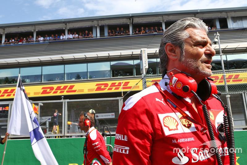 Maurizio Arrivabene, Team Principal Ferrari in griglia