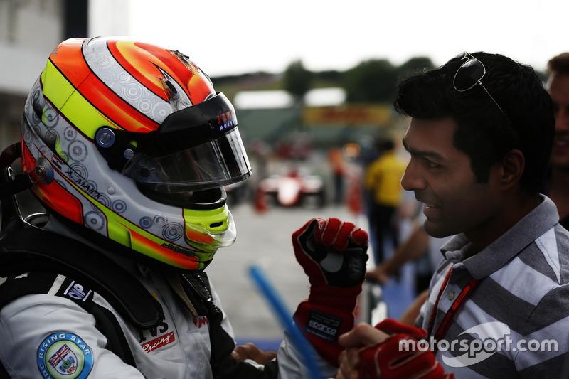 Arjun Maini, Jenzer Motorsport, mit Karun Chandhok