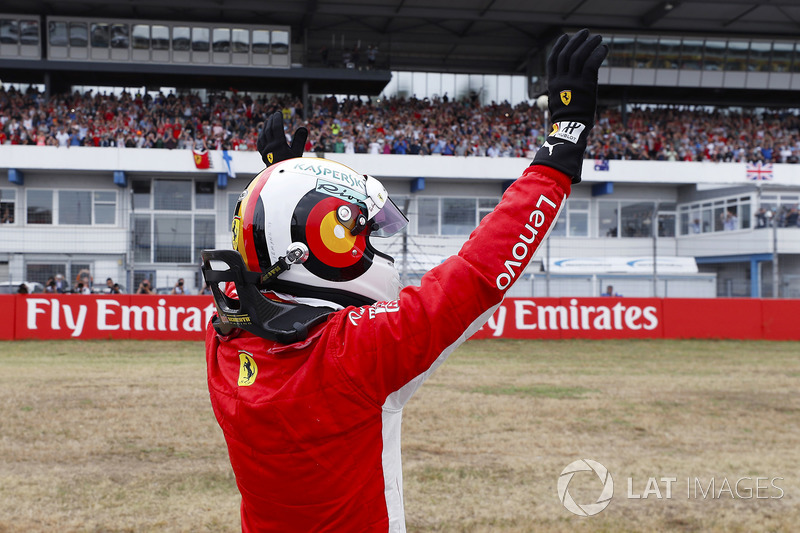 Sebastian Vettel, Ferrari, festeggia la pole position