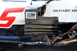 Haas F1 Team VF-18, dettaglio del bargeboard