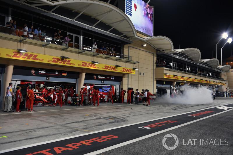 Ferrari SF71H garage amd smoke
